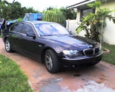 Blue BMW 750Li