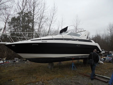 Avanti Bayliner This 1993 Avanti Bayliner will be up for grabs an an online ...