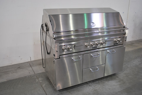 do you love to grill of course you do why donu0027t you step up your grilling game and check out this upcoming online auction for a lynx bbq unit - Lynx Grill