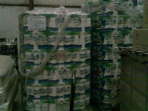 1 848 Rolls Of Members Mark Paper Towels Have An Affair To Remember