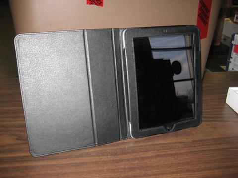 32 G ipad with case
