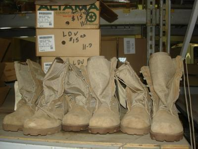 37 Pairs boots