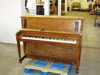 Baldwin Upright