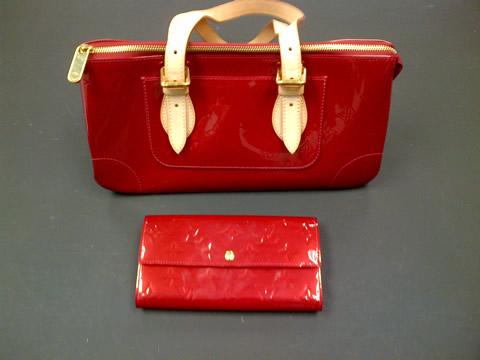 Louis Vuitton bag wallet