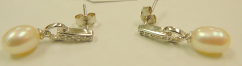 pearl earrings2