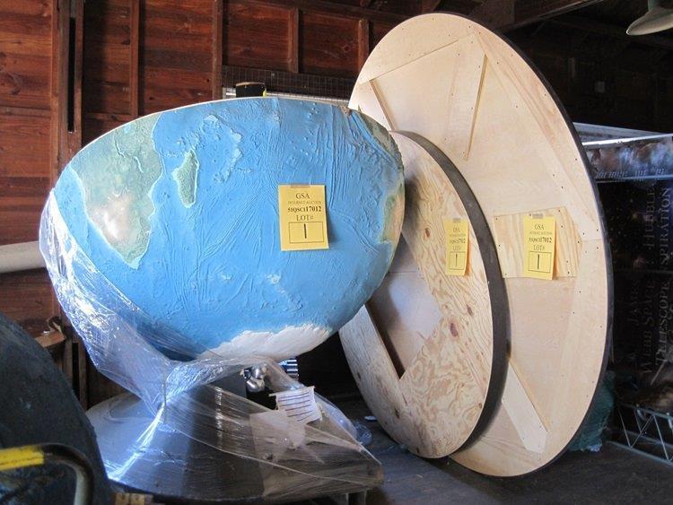 5_2_17 Earth Globe